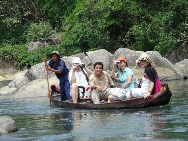 Đặt mua vé máy bay đi Quy Nhơn - Khu du lịch Hầm Hô