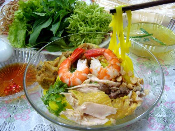 Mua vé máy bay từ Hà Nội đi Chu Lai giá rẻ - mỳ Quảng