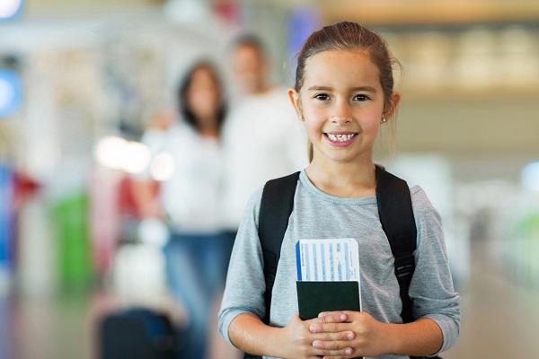 Trẻ em đi nước ngoài có cần hộ chiếu?
