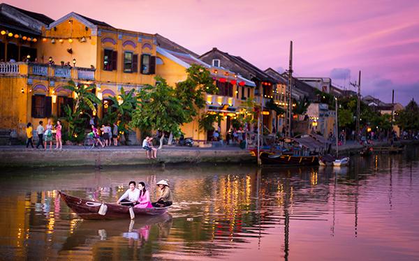 Vé máy bay Vietnam Airlines - Cảnh đẹp Chu Lai