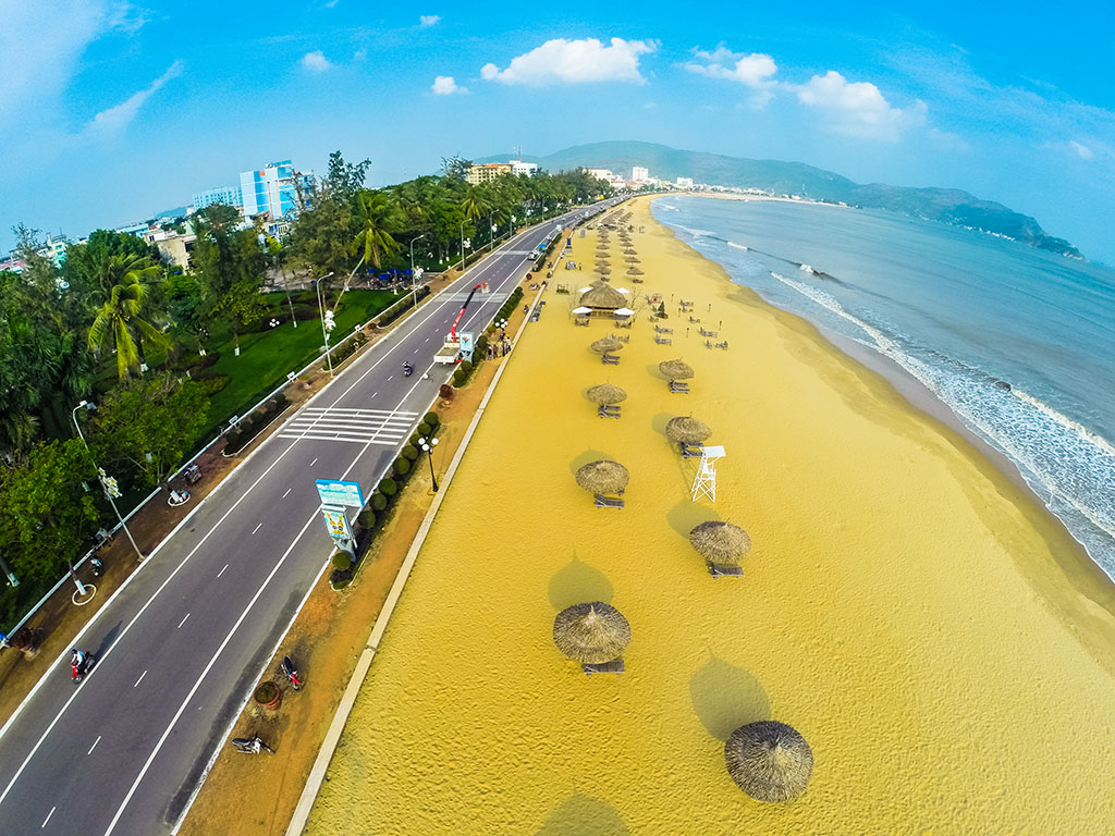 Vé máy bay Vietnam Airlines - Biển Quy Nhơn