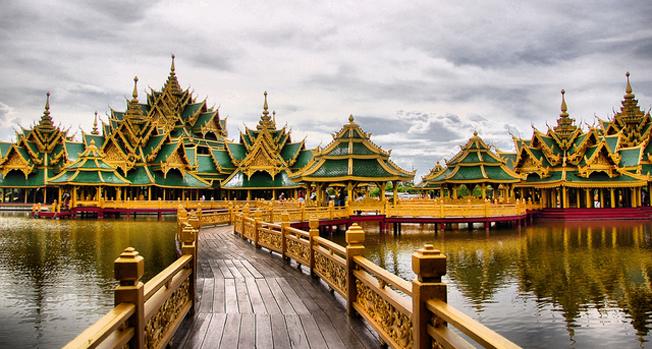 Vé máy bay Vietnam Airlines - Công viên Muang Boran