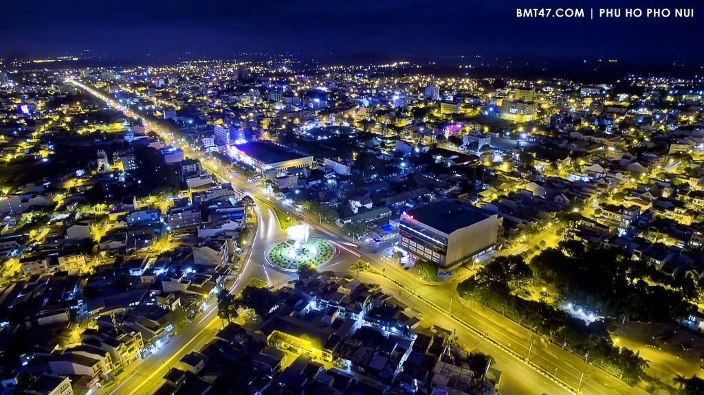 Vé máy bay Vietnam Airlines - Khám phá thành phố Buôn Mê Thuột về đêm