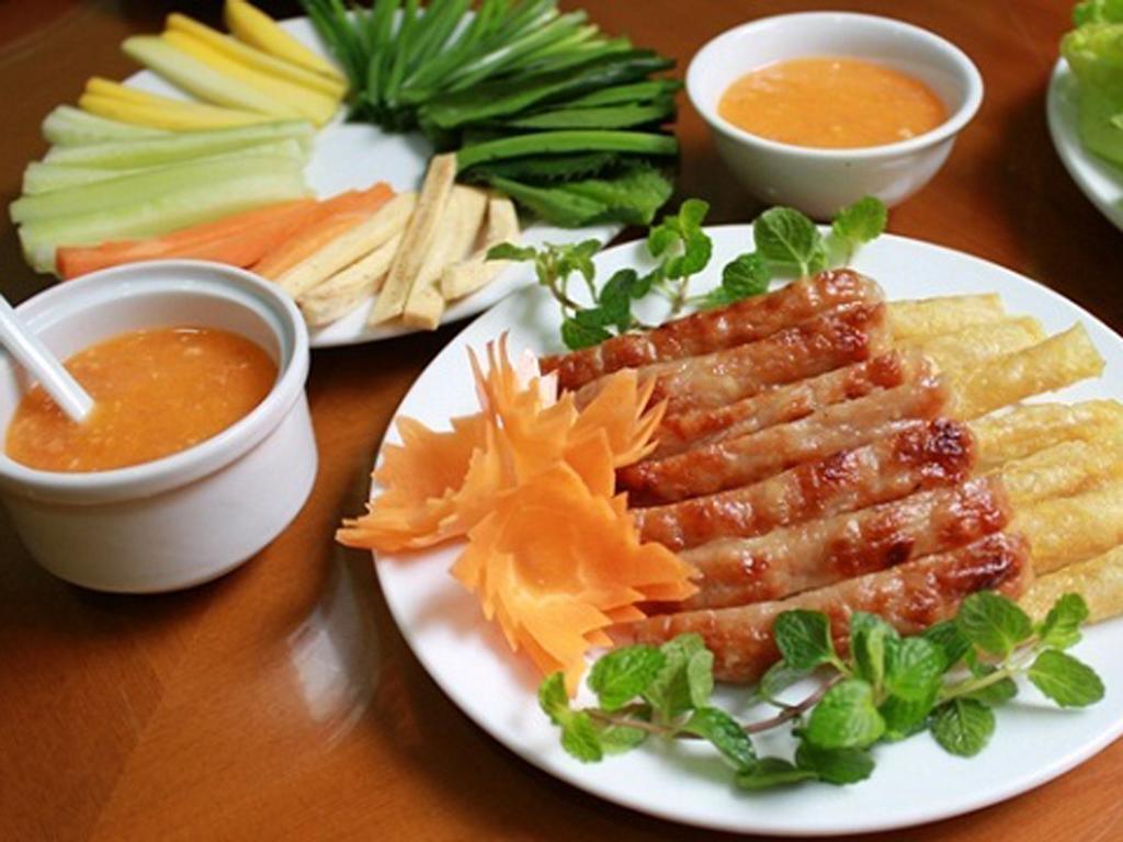 Vé máy bay Vietnam Airlines - Ẩm thực Quy Nhơn