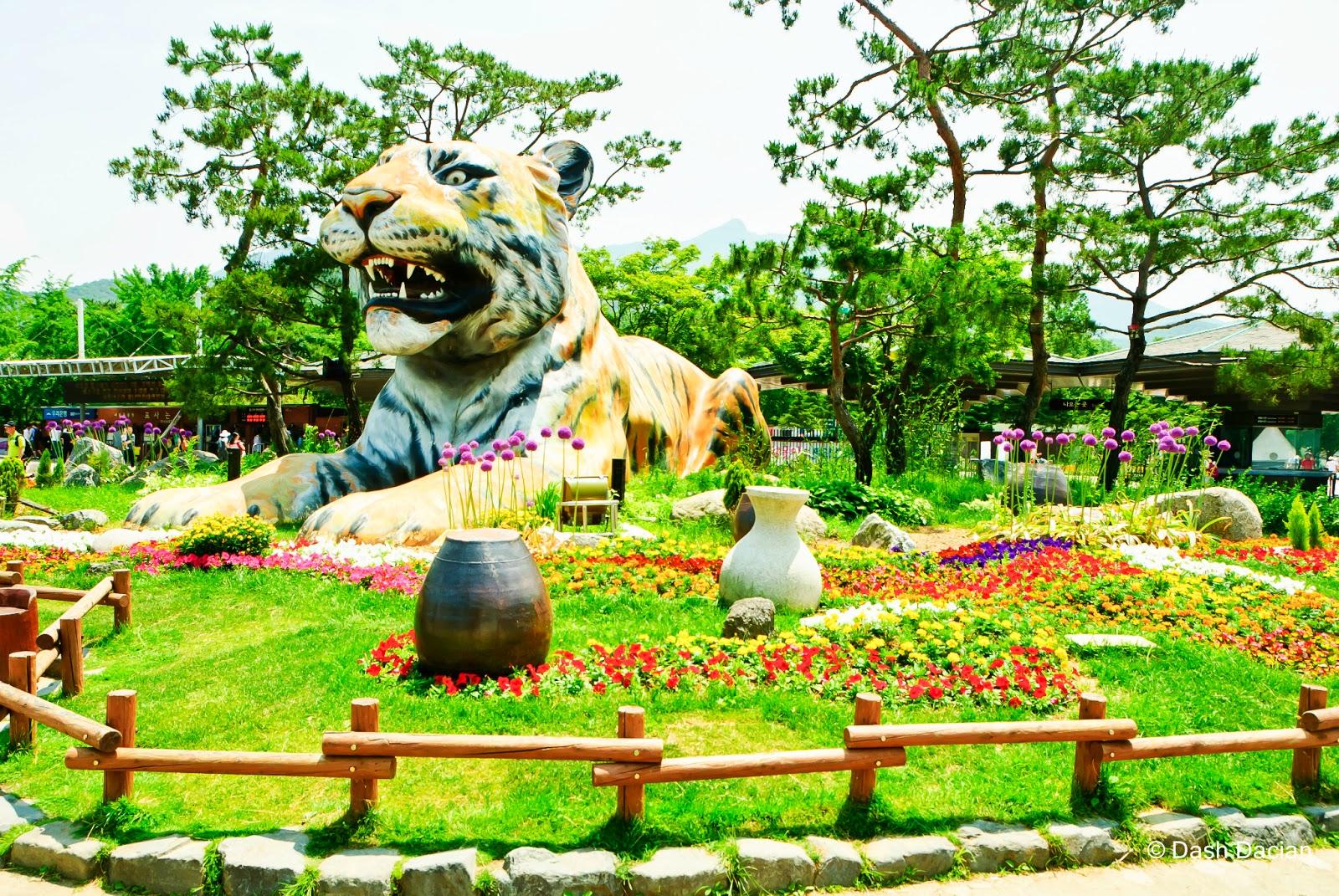 Vé máy bay Vietnam Airlines - Seoul Grand Park