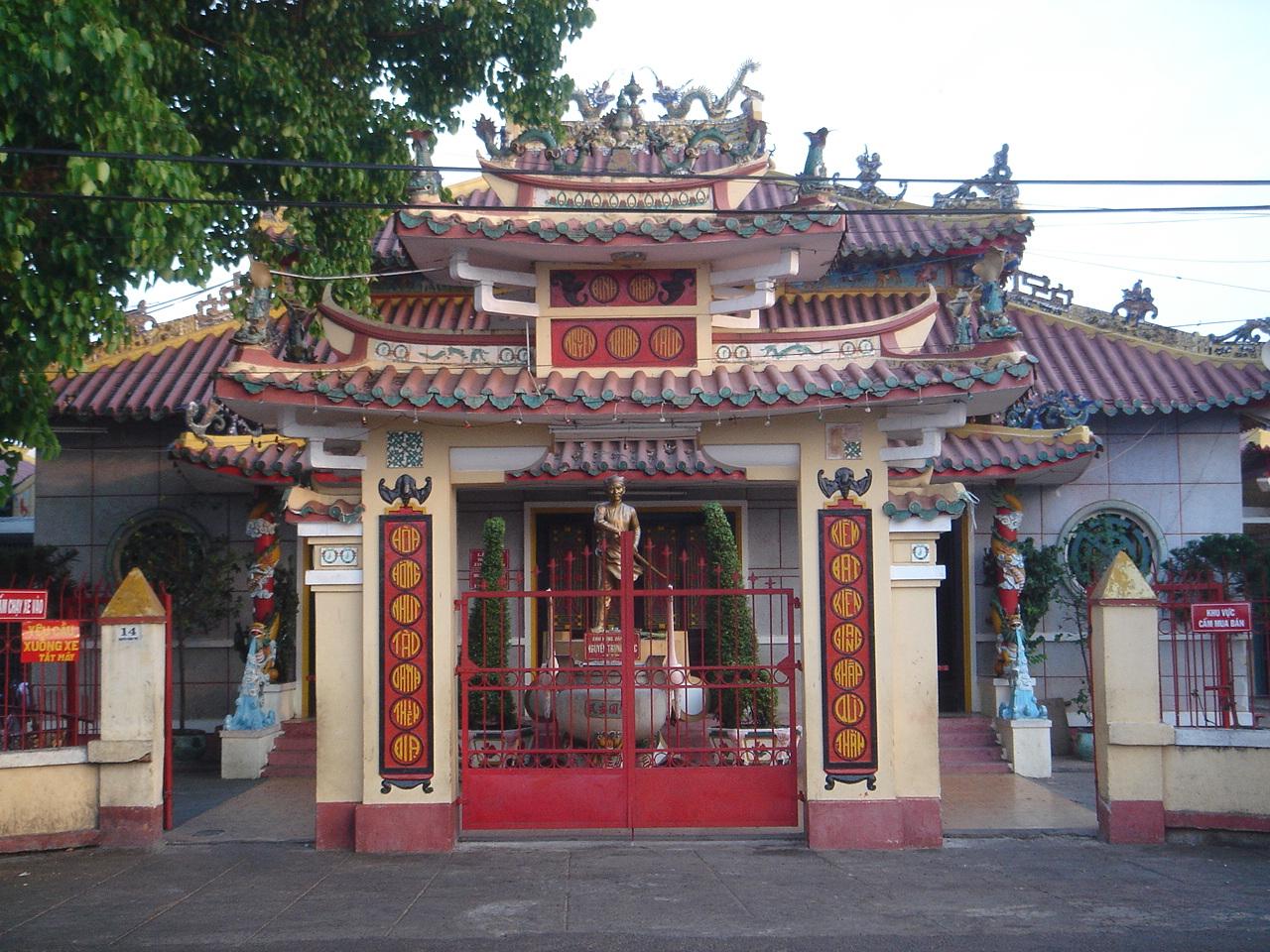 Vé máy bay Vietnam Airlines - Viếng thăm đền thờ Nguyễn Trung Trực