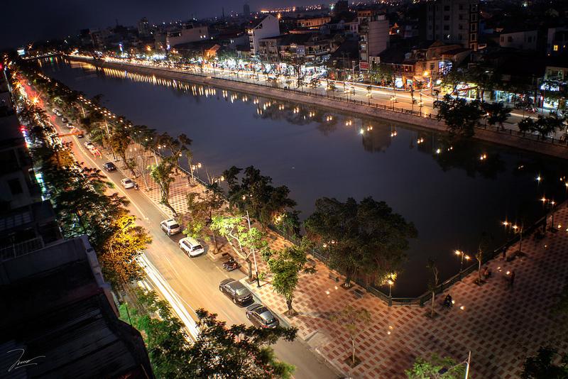 Vé máy bay Vietnam Airlines - Dạo vòng quanh hồ Tam Bạc