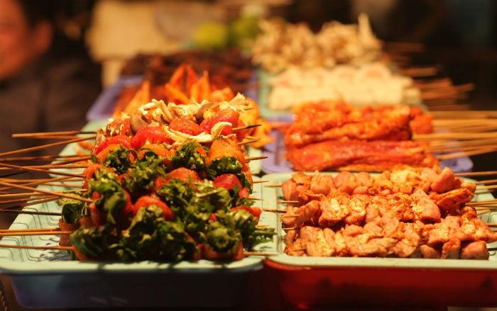Đến Sài Gòn đừng quên ghé những khu phố ẩm thực nổi tiếng