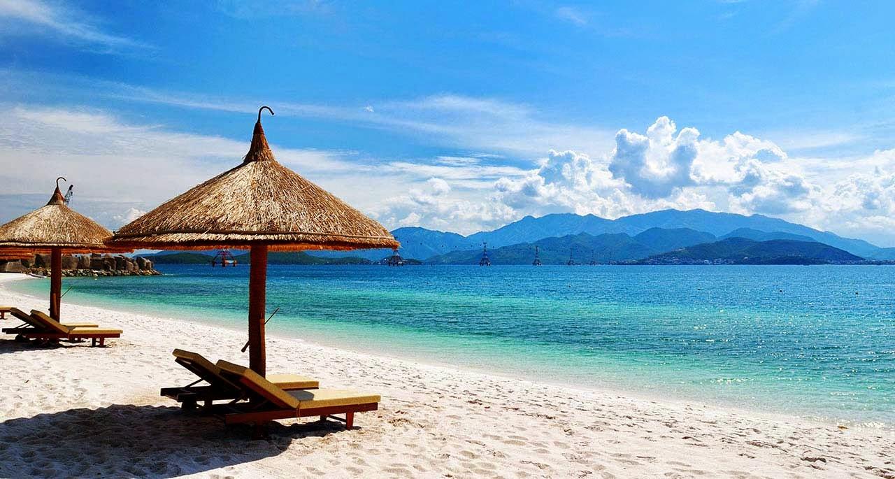 Vé máy bay Vietnam Airlines - Bãi biển Mỹ Khê