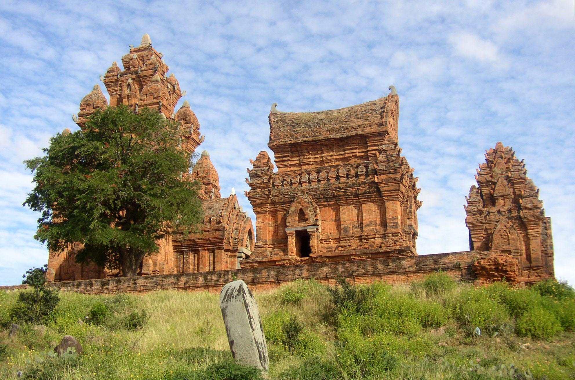 Vé máy bay Vietnam Airlines - Cụm Tháp