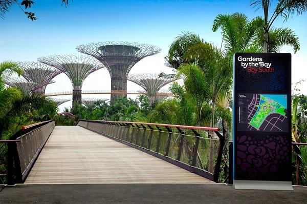 Vé máy bay Vietnam Airlines - Garden Bay Bridge