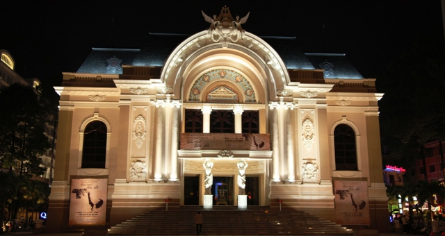 Vé máy bay Vietnam Airlines - Nhà hát lớn Thành phố
