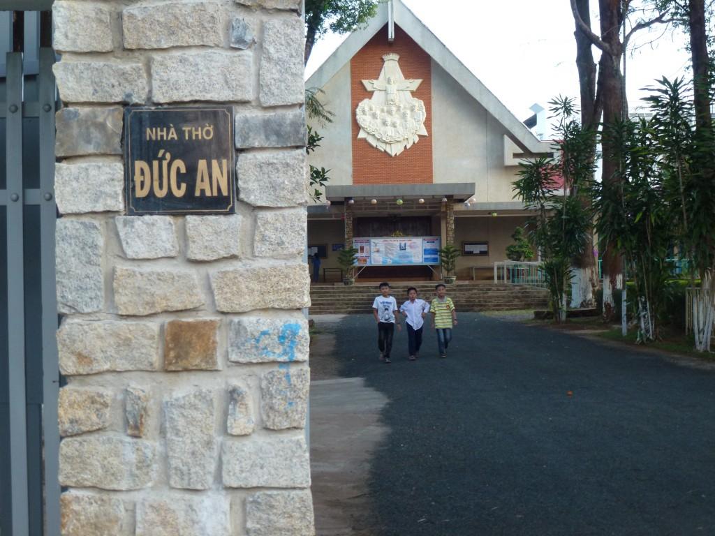 Vé máy bay Vietnam Airlines - Nhà thờ Đức An