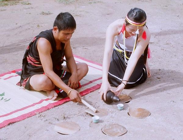 Vé máy bay đi Buôn Ma Thuột - Tìm hiểu văn hóa dân tộc Ê đê