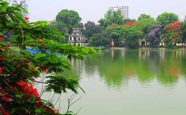 Vé máy bay đi Hà Nội - Dạo quanh hồ Hoàn Kiếm