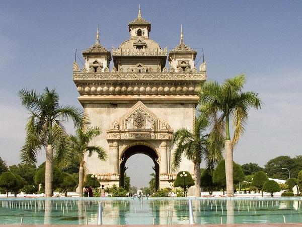 Du lịch Lào tiết kiệm mà lại thú vị – tại sao không?