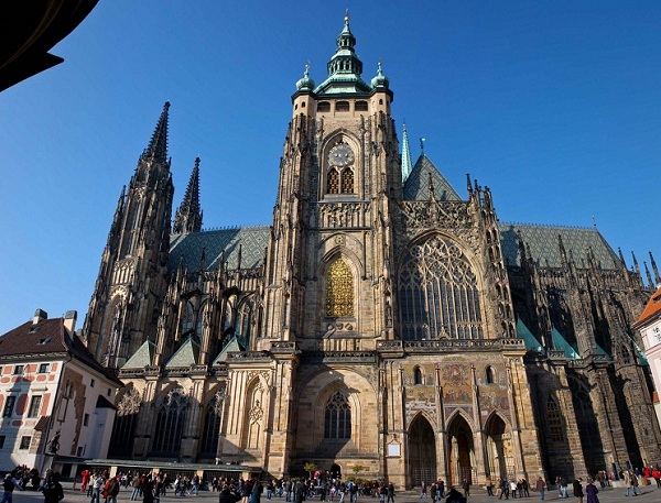 Tận hưởng vẻ đẹp quyến rũ của thành phố Praha