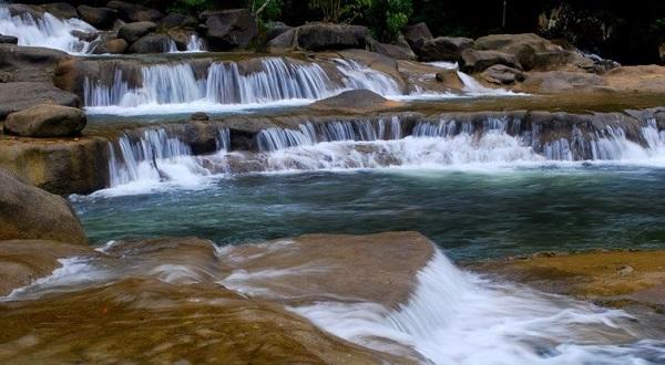 Vé máy bay đi Nha Trang - Du lịch sinh thái suối Ba hồ