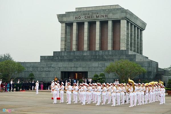 Vé máy bay đi Hà Nội - Thăm Lăng Chủ tịch Hồ Chí Minh