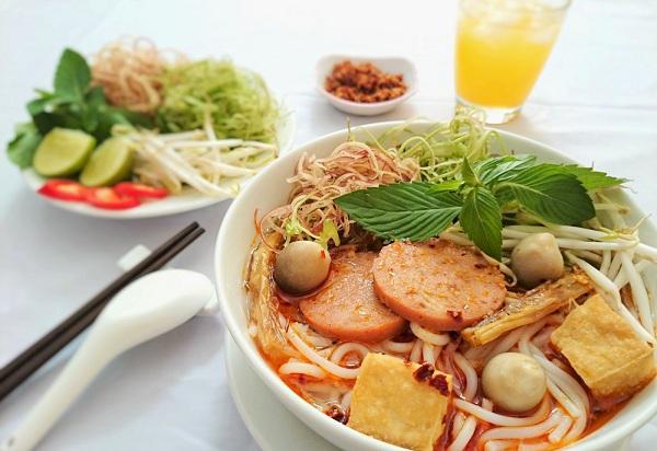 Cơ hội bay tiết kiệm cùng vé Vietnam Airlines giá rẻ đi Buôn Ma Thuột