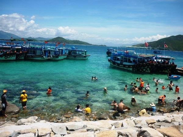 Những địa điểm du lịch hấp dẫn khi mua vé máy bay đi Nha Trang
