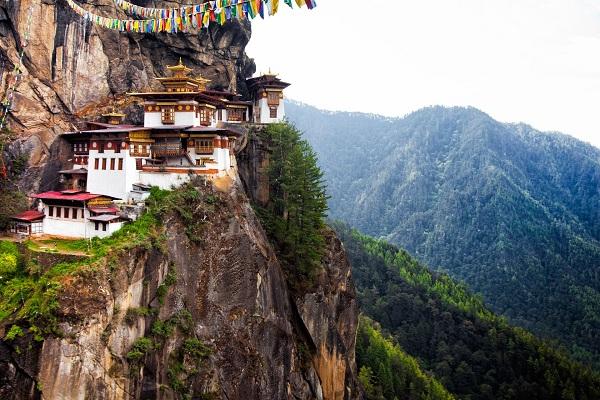 5 địa điểm trên thế giới thích hợp nhất để du lịch một mình