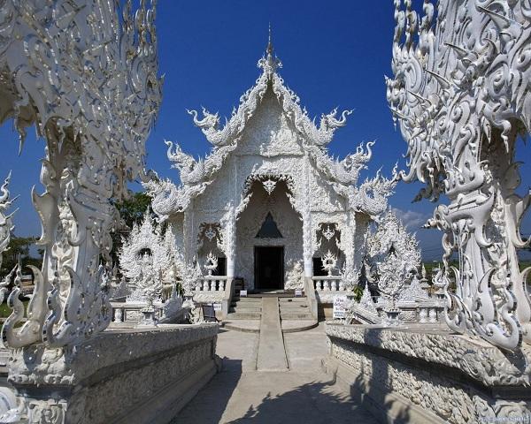 Ngôi đền Wat Rong Khung – Chiang Rai, Thái Lan