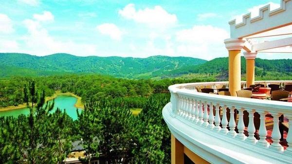 Vé máy bay đi Đà Lạt - Tầm nhìn tuyệt đẹp ở Edensee Lake Resort & Spa Đà Lạt