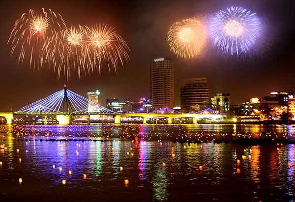 Cùng vé máy bay đi Đà Nẵng tham gia Lễ hội pháo hoa quốc tế