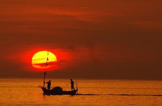 Vé máy bay đi Buôn Ma Thuột -Ngắm hoàng hôn bên hồ Ea Kao lộng gió