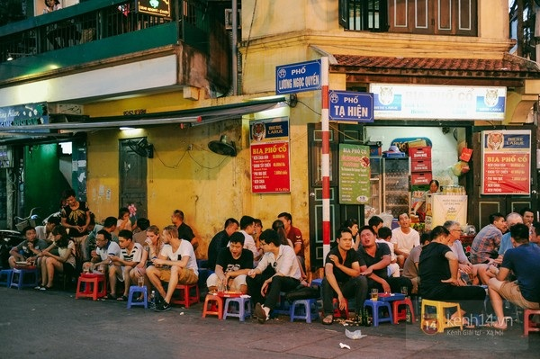 Phố Tây Tạ Hiện (Hà Nội, Việt Nam)
