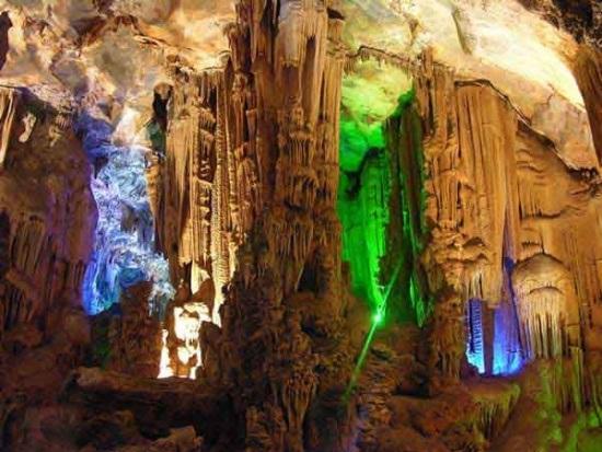 Vườn quốc gia Phong Nha - Kẻ Bàng (Quảng Bình)