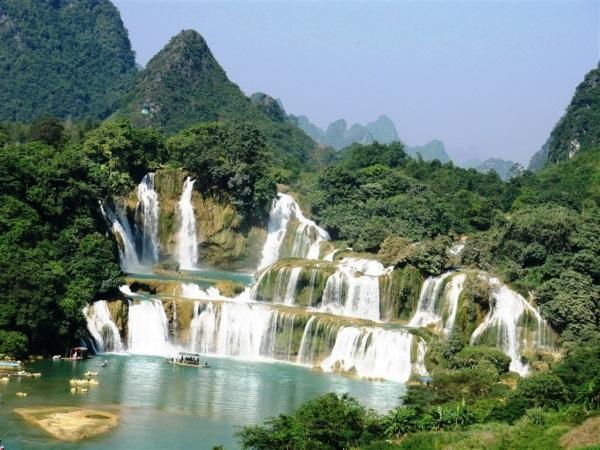 Vé máy bay đi Pleiku - Khám phá vẻ đẹp thác Phú Cường