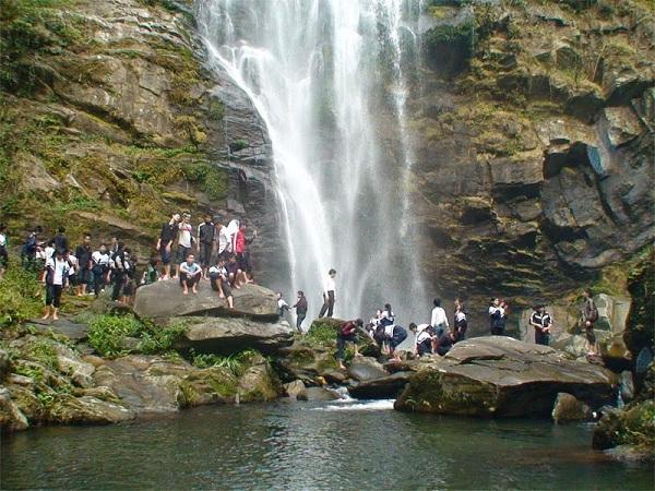 Vẻ đẹp của thác Kèm