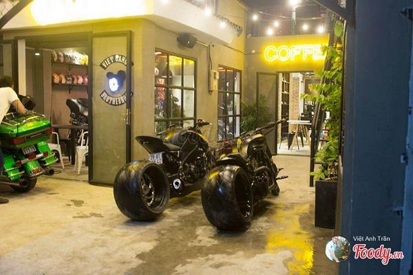 """Vé máy bay đi Sài Gòn - """"No mắt"""" với những chiếc siêu xe moto ở Gara Cafe"""
