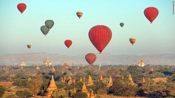 Du lịch bằng khinh khí cầu ở Bagan (Myanmar)