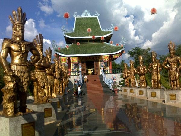 Vé máy bay đi pleiku - Khu du lịch Đồng Xanh