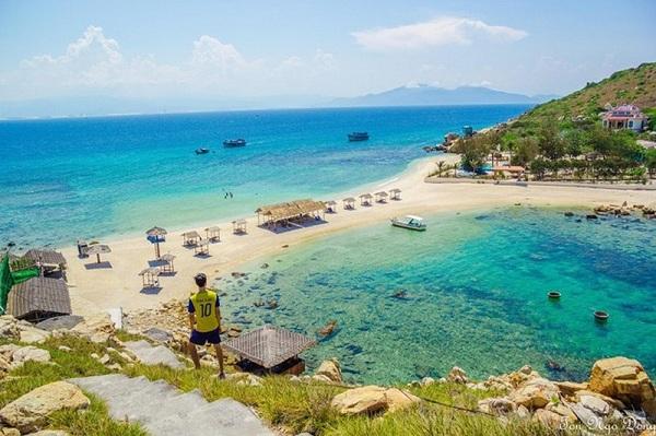 Đến Nha Trang khám phá bãi tắm đôi duy nhất Việt Nam ở đảo Yến