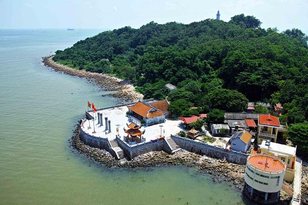 Du lịch Hải Phòng tận hưởng cuộc sống thư thái tại đảo Hòn Dáu