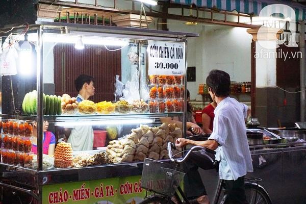 Vé máy bay đi Sài Gòn - Hẻm 200 Xóm Chiếu, quận 4