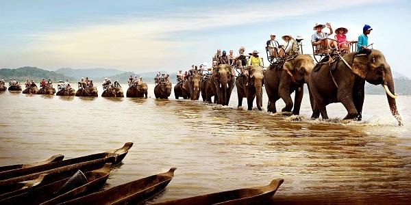 Vé máy bay đi Buôn Ma Thuột - Cưỡi voi ngắm nhìn dòng sông Serepok huyền thoại