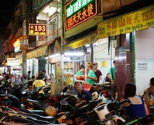 Những thiên đường ăn uống ngay trong hẻm ở Sài Gòn