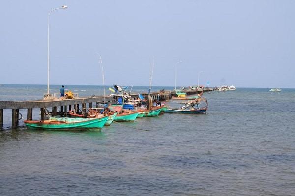 Vé máy bay đi Phú Quốc - Làng chài Hàm Ninh
