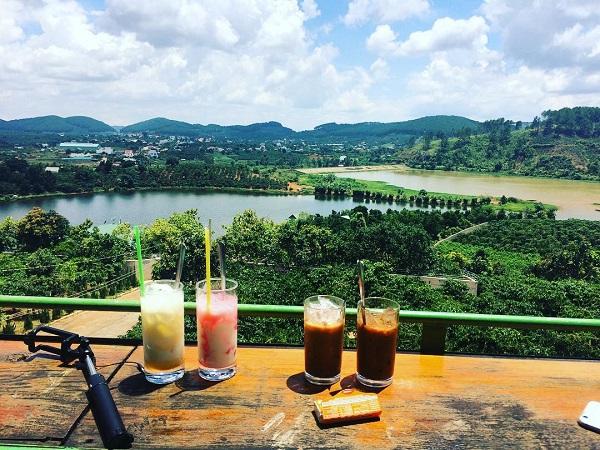 Vé máy bay đi Đà Lạt - Tầm nhìn siêu đẹp ở Mê Linh Coffee Garden
