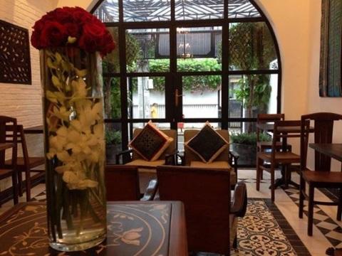 Vé máy bay đi Sài Gòn - The Vintage Emporium Café