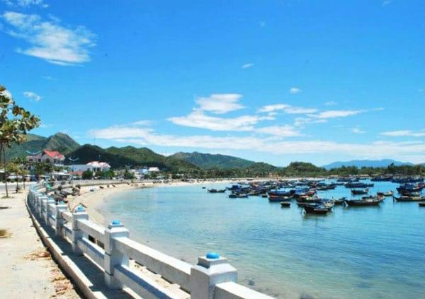 Cùng vé máy bay đi Nha Trang tham quan thành phố