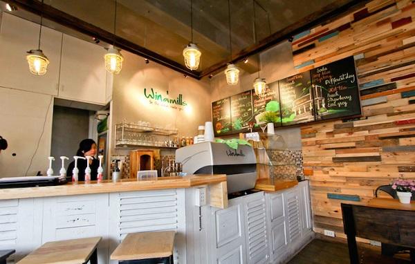 Vé máy bay đi Đà Lạt - Windmills Coffee không gian ấm cúng và yên bình