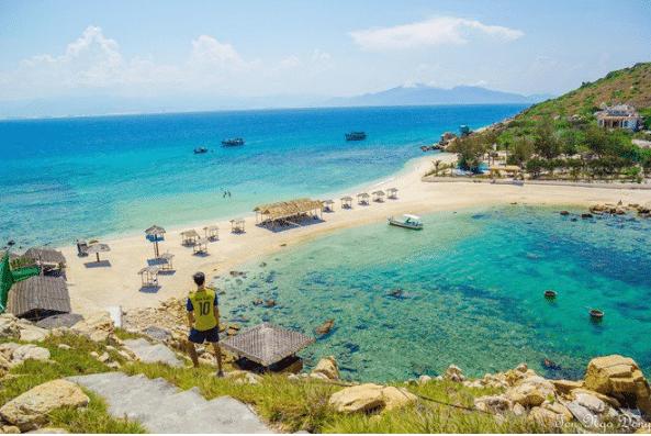 Vé máy bay đi Nha Trang - Bãi tắm đôi hấp dẫn ở Đảo Yến