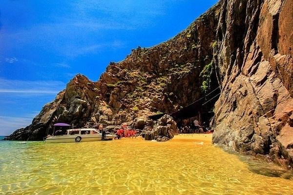 Vé máy bay đi Quy Nhơn - Vẻ đẹp biển Quy Nhơn
