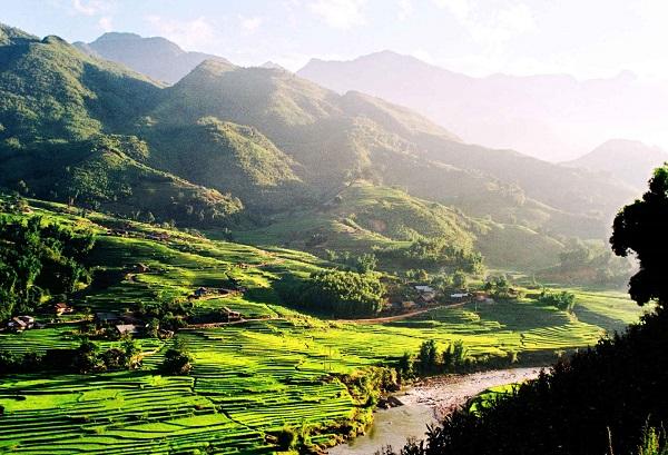 Vé máy bay đi Buôn Ma Thuột - Vẻ đẹp hùng vĩ của vùng rừng núi Tây Nguyên